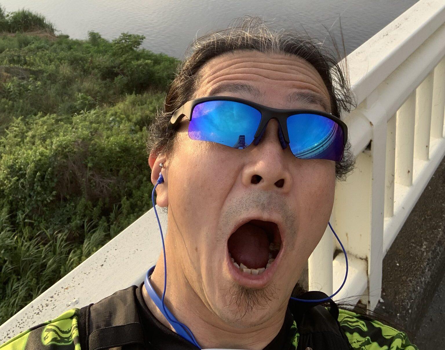 ジョギング中に追い抜かれただけで天啓を得た大崎一万発さん、「ザ・老害」だと話題に